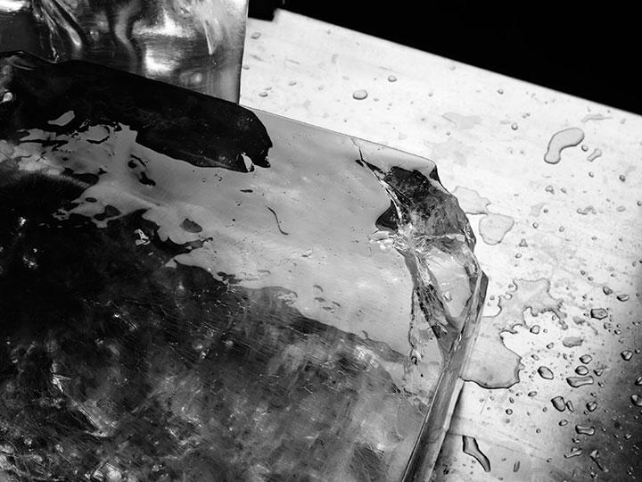 glacier-glaçon-glace-black and white (c) PHILIPPE LACOMBE