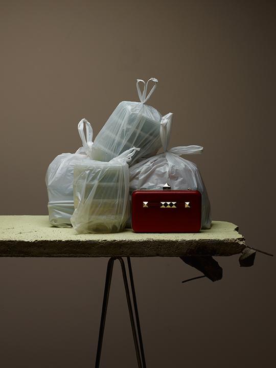 Amica-Pierre Glanddier-Vanessa Giudici-béton-sac plastique (c) PHILIPPE LACOMBE